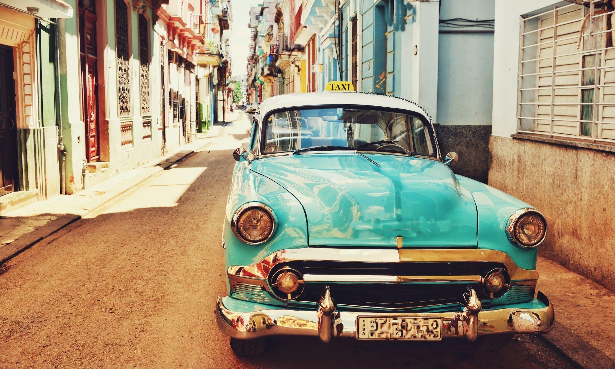 Restaurer une carrosserie de voiture ancienne - 79, 85, 17